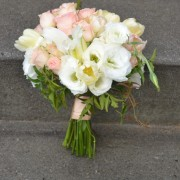 Complimentary Toss Bouquet with all Wedding Packages
